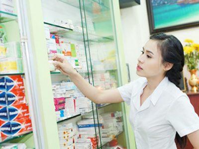 Để trở thành một dược sĩ giỏi cần phải trải qua quá trình đào tạo lâu dài